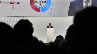 Aktionäre strafen Bayer-Führung wegen Monsanto-Deal ab