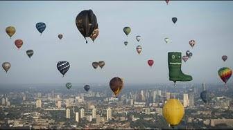Bunte Farben an Londons Himmel: Heißluftballons für den guten Zweck