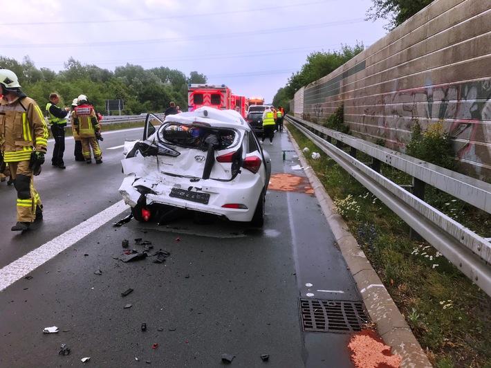 B31: Drei PKW-Insassen bei Unfall schwer verletzt