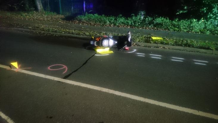 Verkehrsunfall:  Zwei Verletzten Personen mit Motorroller