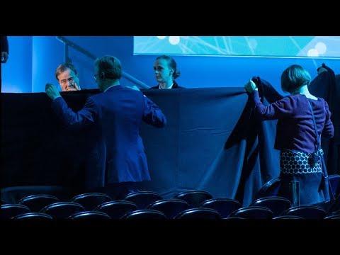 Peter Altmaier (61) stürzt von der Bühne und ist kurz bewusstlos