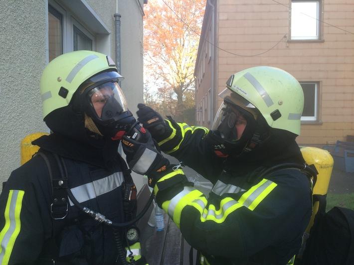 Acht neue Atemschutz-Geräteträger durch die Feuerwehr Hattingen ausgebildet