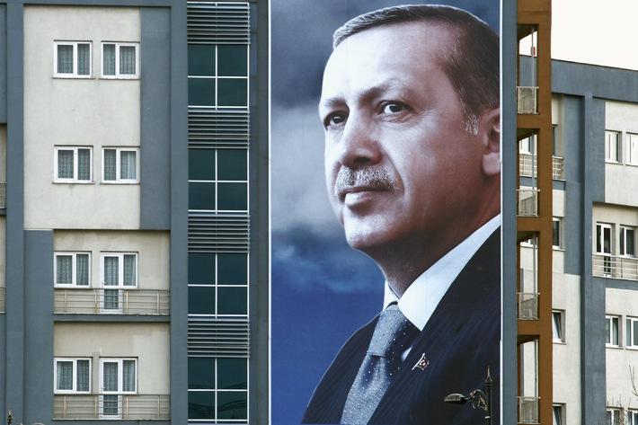 Kolumbien, Türkei, Iran: ZDFinfo mit außenpolitischem Doku-Abend