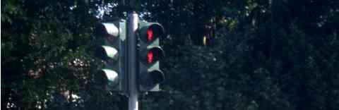 Unfall nach Missachtung einer roten Ampel