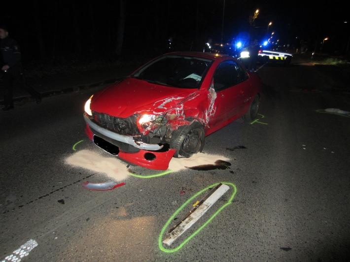 NRW: Verkehrsunfall mit eingeklemmter Person