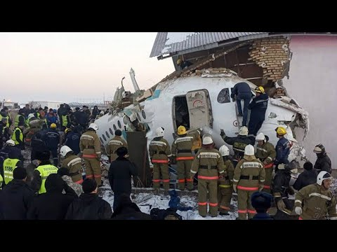 Viele Tote und Verletzte bei Flugzeugabsturz in Kasachstan