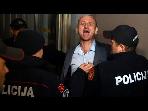 Fliegende Fäuste im Parlament: Tumulte rund um Kirchengesetz in Montenegro