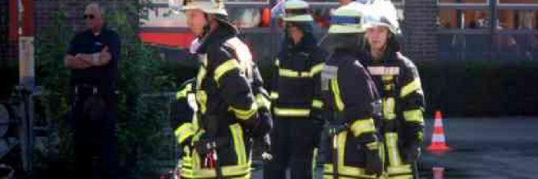Hamburg: Wohnung mit Grill beheizt – Feuerwehr evakuiert 11 Personen aus einem Mehrfamilienhaus