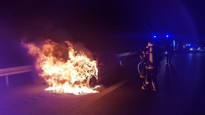 Offenburg: Französischer Klein-PKW ausgebrannt