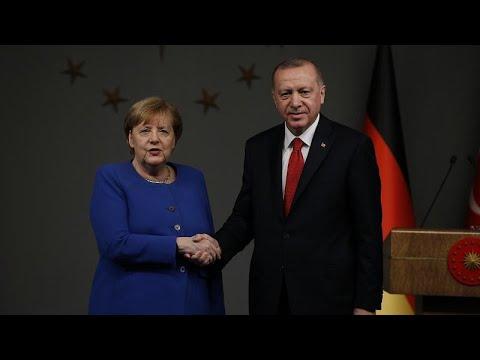"""Riesenproblem"": Merkel will Türkei bei Flüchtlingen unterstützen"