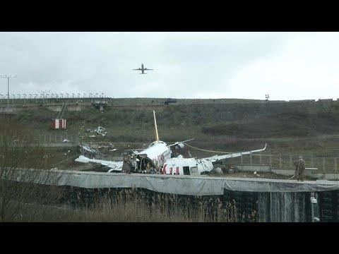 Drei Tote bei Flugzeug-Unglück in Istanbul