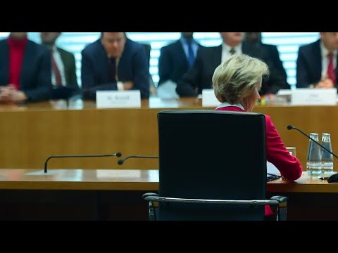 Berater-Affäre: Von der Leyen gibt Fehler zu