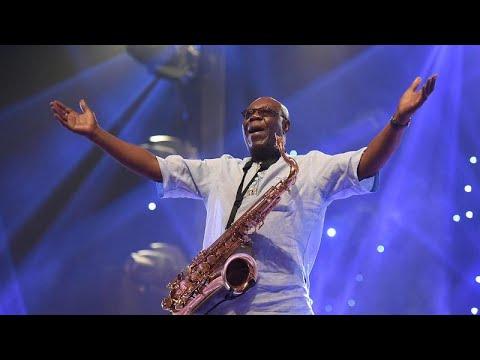 Afro-Jazz-Legende (86) Manu Dibango an Covid-19 gestorben