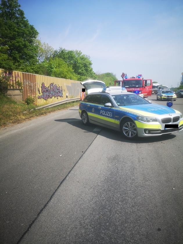 A42: Zwei Verletzte nach Verkehrsunfall auf der Autobahn
