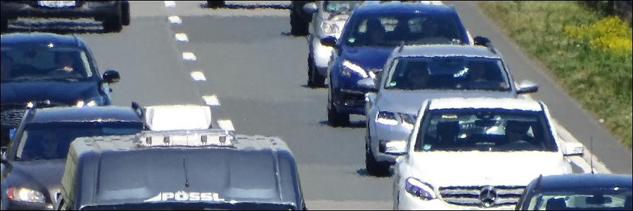 A1: Starker Hustenanfall eines LKW Fahrers führt zum Unfall