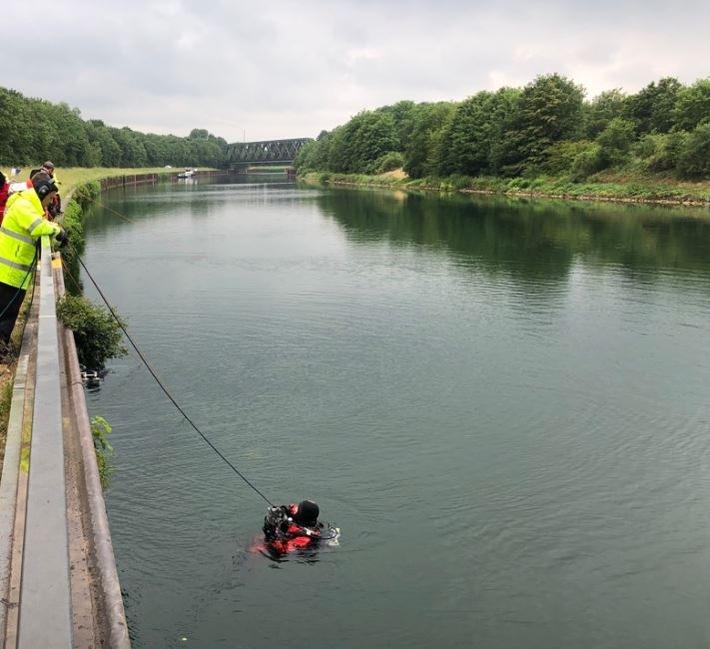 Haltern am See: Schädelfund im Kanal – Taucher suchen Fundstelle ab