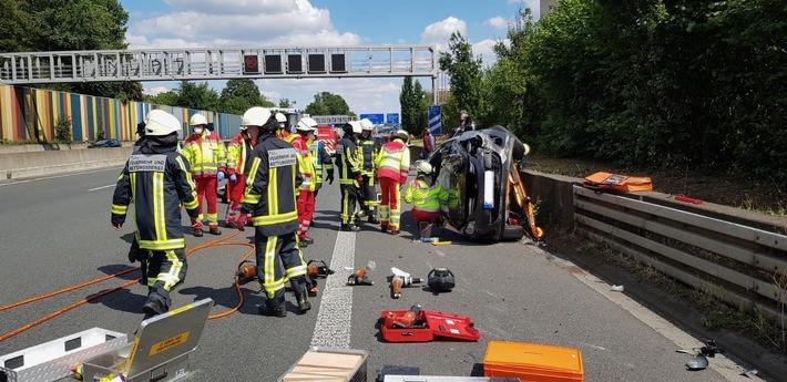 A40: Nach Unfall mit PKW wurde Autobahn voll gesperrt
