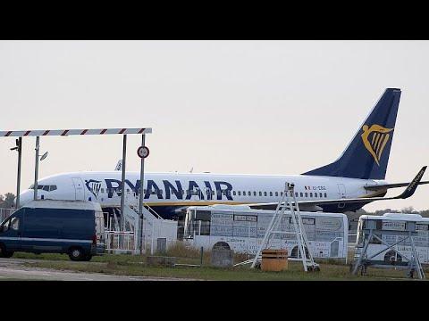 Ryanair startet wieder durch – und droht Mitarbeitern mit Stellenabbau