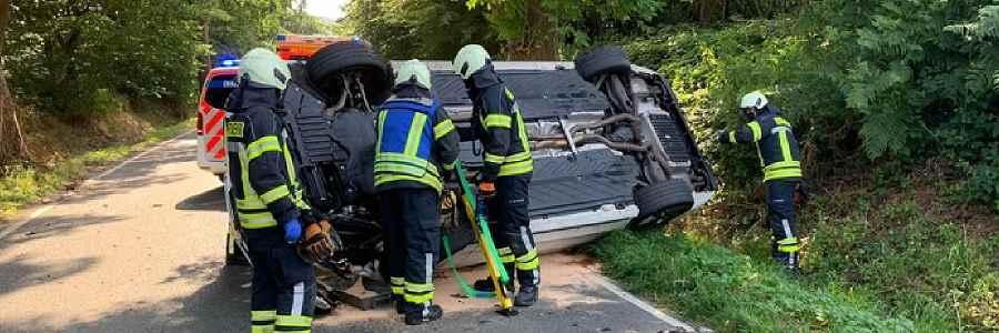 Sprockhövel: Fahrzeug landet bei Unfall auf der Fahrerseite