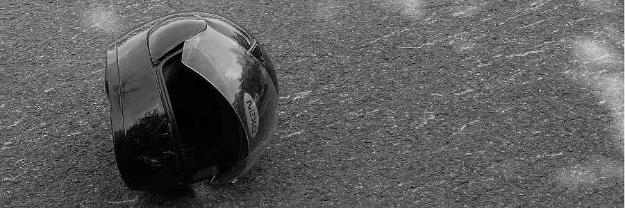 Bremerhaven: Motorradfahrerin verletze sich nach Sturz schwer