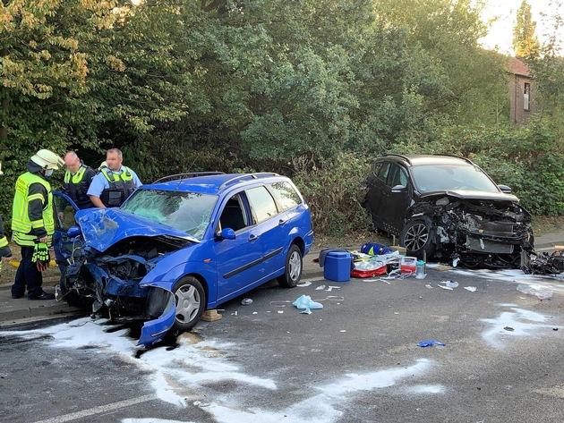 Hückelhoven: Person nach Verkehrsunfall Eingeklemmt