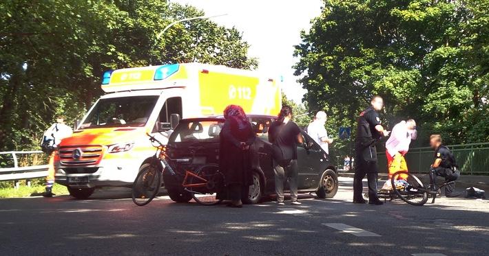 Bremerhaven: Vorfahrt missachtet – Radfahrerin schwer verletzt