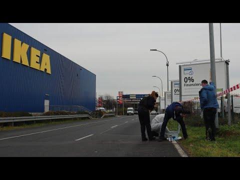 Geldtransporter vor Ikea-Filiale in Berlin überfallen