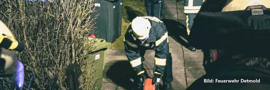 Detmold: Feuer mit Menschen in Gefahr