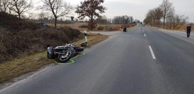 Wilhelmshaven: Motorradfahrer kollidiert mit Radfahrerin