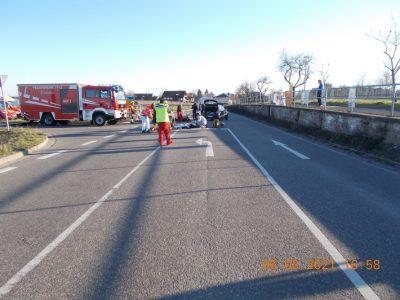 Deidesheim: Motorrad kollidiert mit Pkw