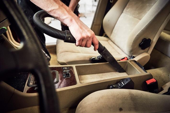 So wird das Auto frühlingsfit – Von Innenraumreinigung bis Reifenwechsel