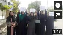 Frauen demonstrieren in Kabul gegen Taliban