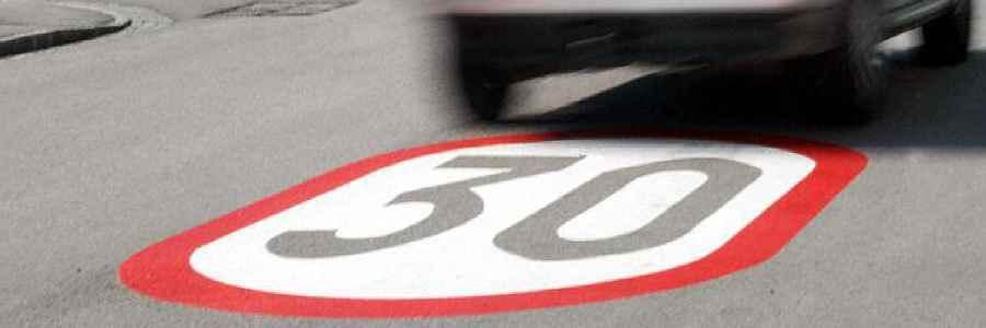 VW hält Tempo 30 in Wohngebieten für sinnvoll und Tempolimit bei 130 für unproblematisch