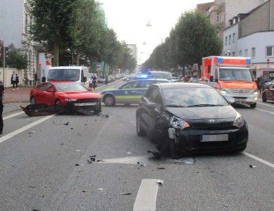 Bremerhaven: Beim Anfahren Unfall verursacht