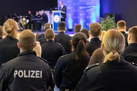 Polizeidirektion Hannover begrüßt 400 neue Mitarbeitende
